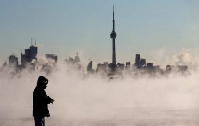 Toronto under extreme cold weather alert, temperatures to plunge overnight