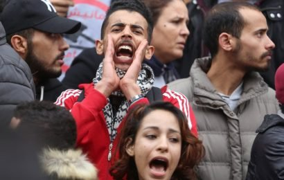 Tunisian opposition leader calls for continued protests