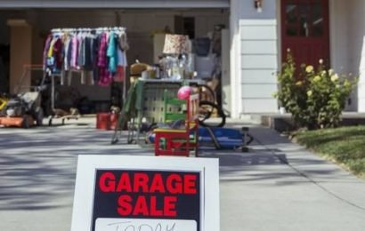 U.S. Coast Guard suggests employees host garage sale to make ends meet during government shutdown