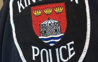 Man facing 18 charges after allegedly fleeing from Kingston police