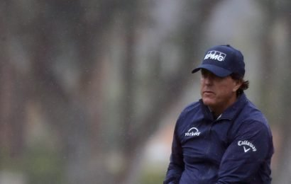 Phil Mickelson Has Magical Round, if Not Magic Number, at Desert Classic