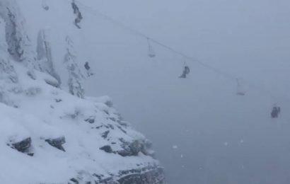 Over 100 skiers evacuated from broken chairlift in Montana in daring mid-air rescue