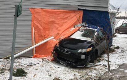 Woman charged with impaired driving after crashing into Wolfe Island home: OPP