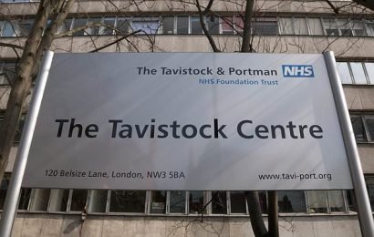Tavistock governor steps down saying youngsters rushed into transition
