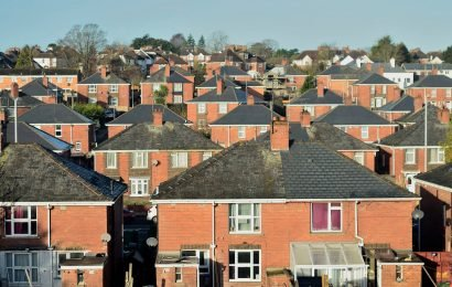 What is the Universal Credit housing element and how much will you get towards your rent?