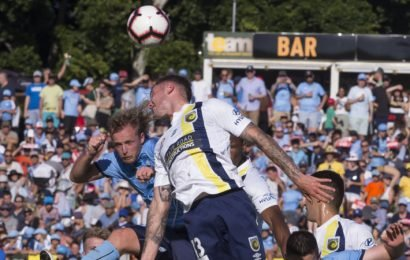 Leichhardt Oval the star as Sydney FC salvage draw with lowly Mariners