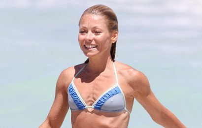 Kelly Ripa, 48, Credits The Alkaline Diet For Her Insane Bikini Body: Here's How It Works