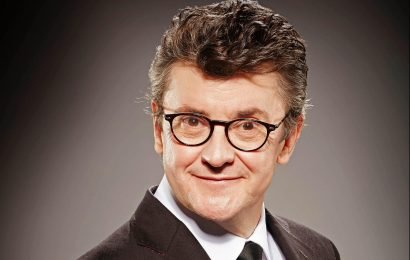How old is Joe Pasquale? Comedian and I'm A Celebrity 2004 winner appearing on All Star Monty