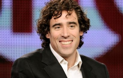 Is Stephen Mangan married, how did he become famous and does he have any children?