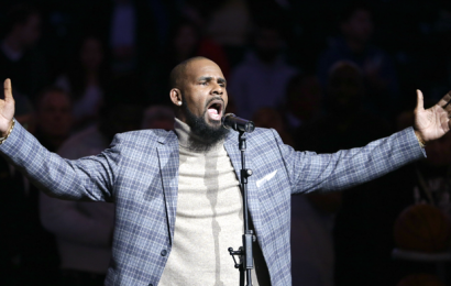 R. Kelly Posts $100,000 Bail, Released From Jail