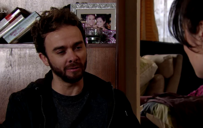 Who tried to break into David Platt and Shona Ramsey's house in Coronation Street and what did they want?
