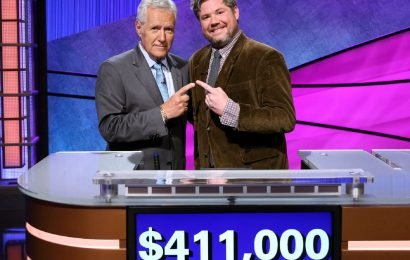'Jeopardy!' contestant Austin Rogers slams critics of 'All-Star' format: 'You losers'