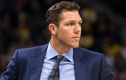 The Lakers' team bus apparently didn't leave Luke Walton behind after loss