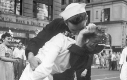 George Mendonsa, 95, Most Likely the Sailor in a Famous Photo, Dies