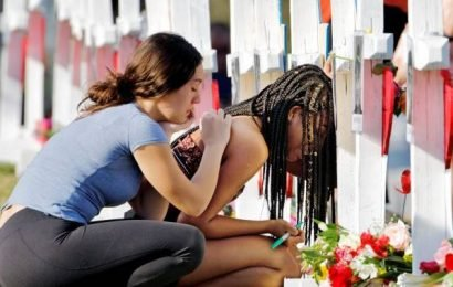 Parkland school shooting: 1 year after massacre, students gather to remember victims