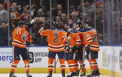 Josh Currie scores first NHL goal as Edmonton Oilers hold on to beat Ducks
