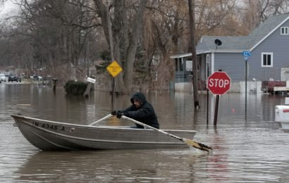 Major storm brings flooding to central and southern US