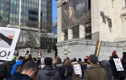 Vancouver Art Gallery strike heading to mediation