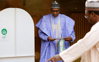 Nigeria's Buhari extends lead in election count as death toll mounts