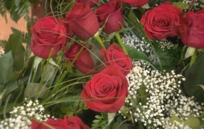 Roses for Valentine's Day? Expect to pay more and get less, says florist