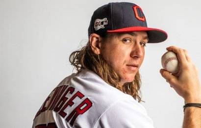 Mike Clevinger On His Athleticism: If Dogs Had Thumbs, They'd Be Milking Nipples All Day