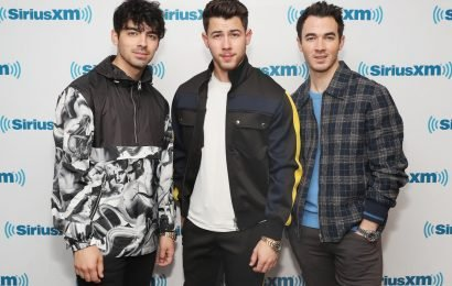 """The Jonas Brothers' Reactions To Their First No. 1 Single """"Sucker"""" Will Make You Proud"""