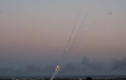 Israel returns fire after Tel Aviv hit by rockets from Gaza
