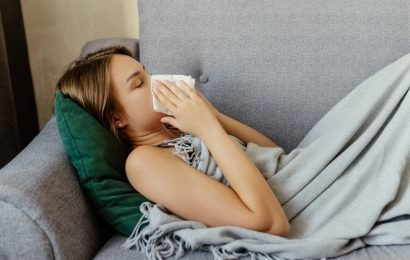 Here's What To Do If Allergies Are Messing With Your Sleep