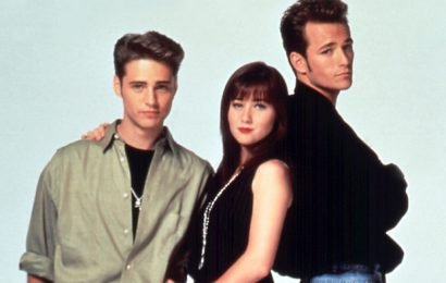 Jason Priestley Mourns Luke Perry: 'He Was an Incredibly Bright Light That Extinguished Far Too Soon'