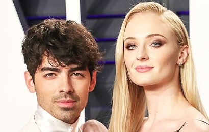 Sophie Turner Reveals She Experimented W/ Her Sexuality Before Joe Jonas: 'I Love A Soul, Not A Gender'