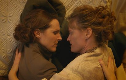 Molly Shannon plays Emily Dickinson in Wild Nights With Emily trailer