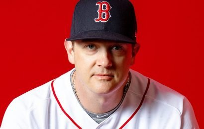 Boston Red Sox pitcher Steven Wright suspended without pay after failing drug test: officials