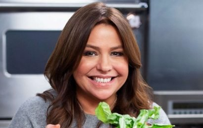 Make your own takeout with Rachael Ray's Everything Pad Thai recipe