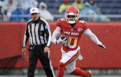 Chiefs Investigating Violence Claims Against Receiver Tyreek Hill