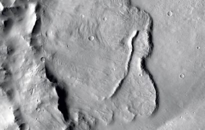 Images show evidence of underground lakes system on Mars, scientists say