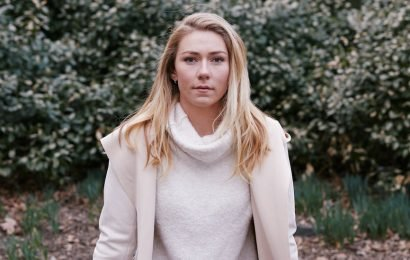 Mikaela Shiffrin, the Best on Skis, Gets Used to Putting a Sport on Her Shoulders
