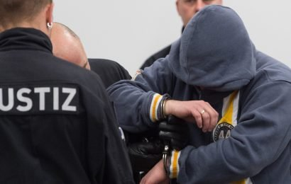 Germany: Far-right 'terrorists' jailed for attacks on refugees