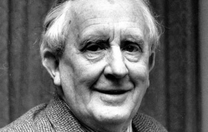 JRR Tolkien's family say they do not 'in any way' endorse new biopic
