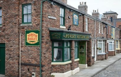 Corrie stars to get their own set of 60th anniversary postage stamps