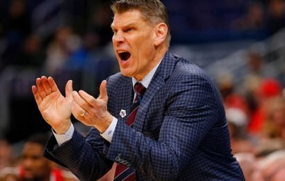 St. John's extends surprise offer to Porter Moser