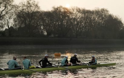 Who won the men's reserve Boat Race between Isis and Goldie?