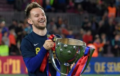Man Utd blow as Rakitic reveals he will see out Barcelona deal until 2021