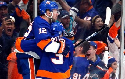 Islanders topple Penguins in OT to win Game 1 playoff thriller