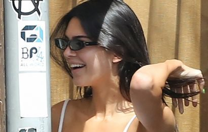 Kendall Jenner Flashes Her Fabulous Abs In Crop Top & Leggings Combo – See Pics