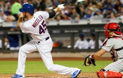 Zack Wheeler does it all as Mets wallop the Phillies