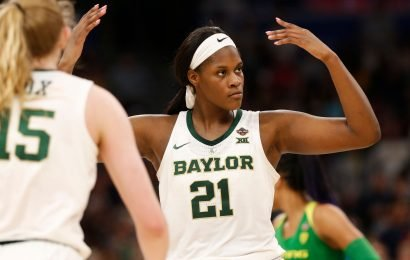 On verge of third national title, Baylor is a 2-point team in a 3-point world
