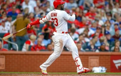 Cardinal's Marcell Ozuna face plants after overestimating fly ball