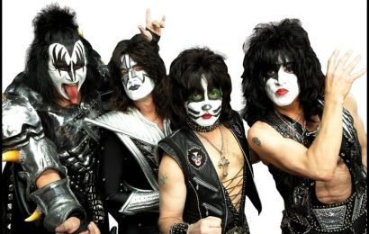 KISS' Paul Stanley Reveals Plans To End Farewell Tour With Iconic Song