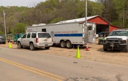 Rescuers recover UK diver who disappeared while exploring Tennessee underwater cave