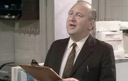 Fawlty Towers actor John Quarmby dies aged 89
